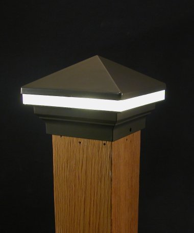 Iris Annello Pyramid Top LED  Post 12 V. 3 1/2""