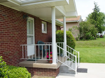 "Midway 36""h x 6' W Aluminum Railing 4"" Spacing"